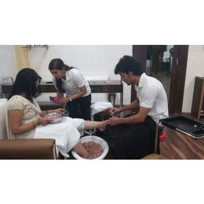 Best Ladies salon in Chandigarh