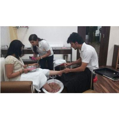 Unisex Salon in Chandigarh